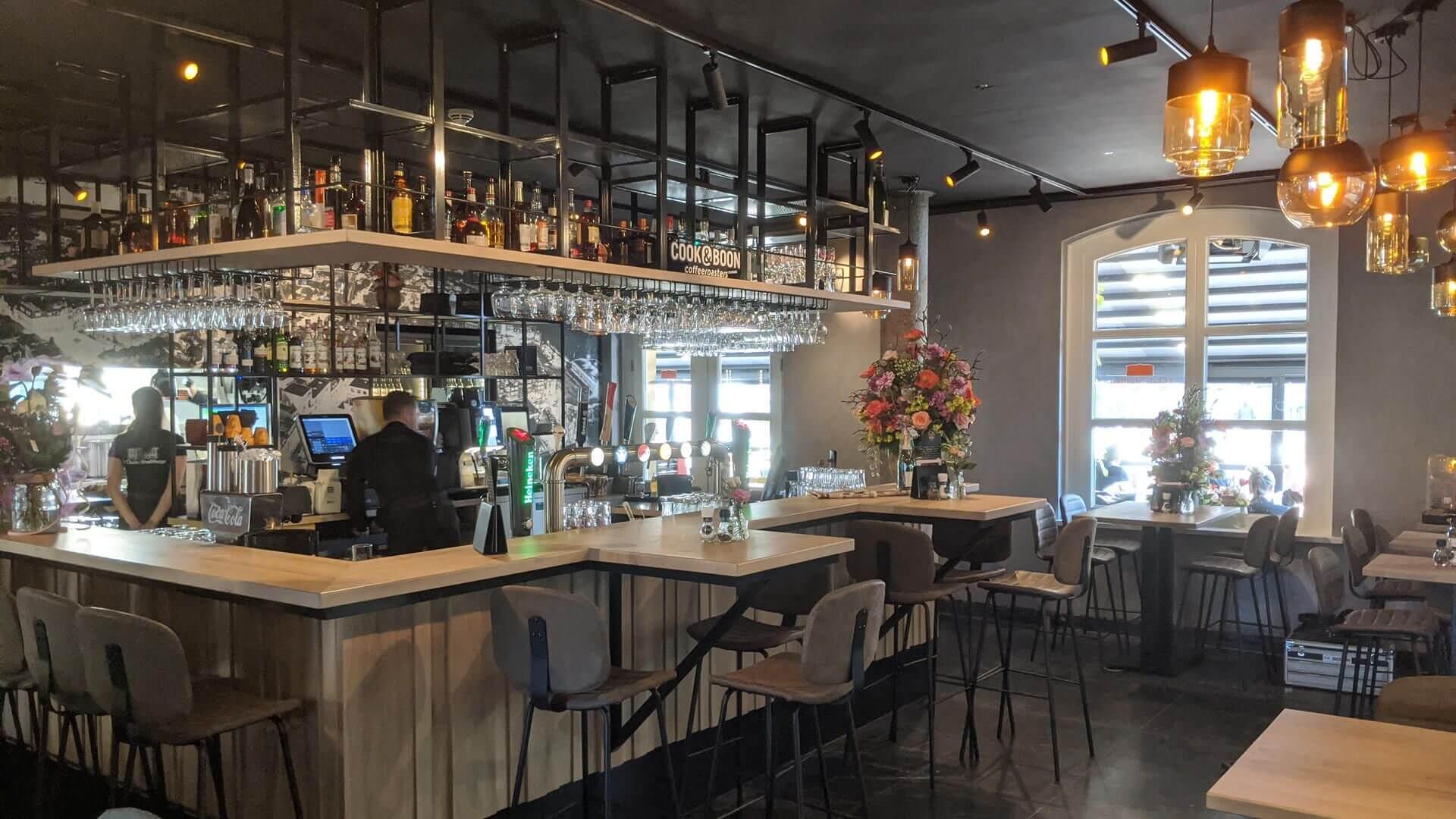 restaurant-slide1.jpg